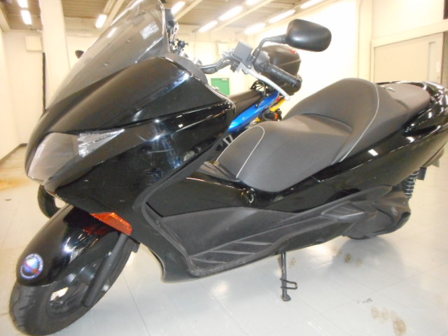 Forza Z (FC-000) - 【公式】レンタルバイクのベストBike® JR神戸駅前
