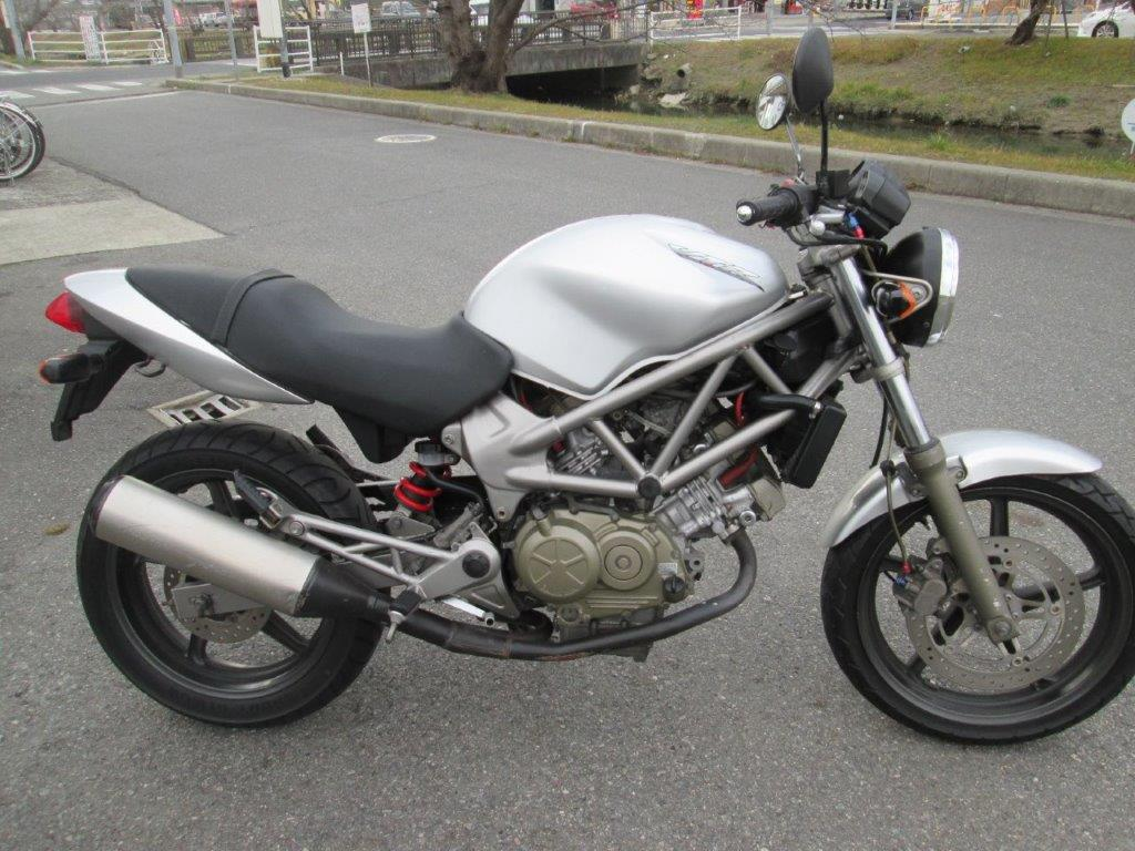 VTR250シルバー(FC-000) - 【公式】レンタルバイクのベストBike® 名古屋駅前