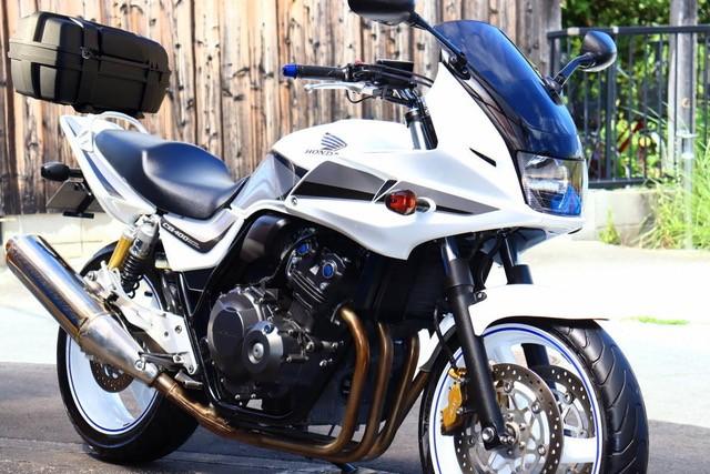CB400ボルドール(SH-217) - 【公式】レンタルバイクのベストBike® 新宿駅東南口
