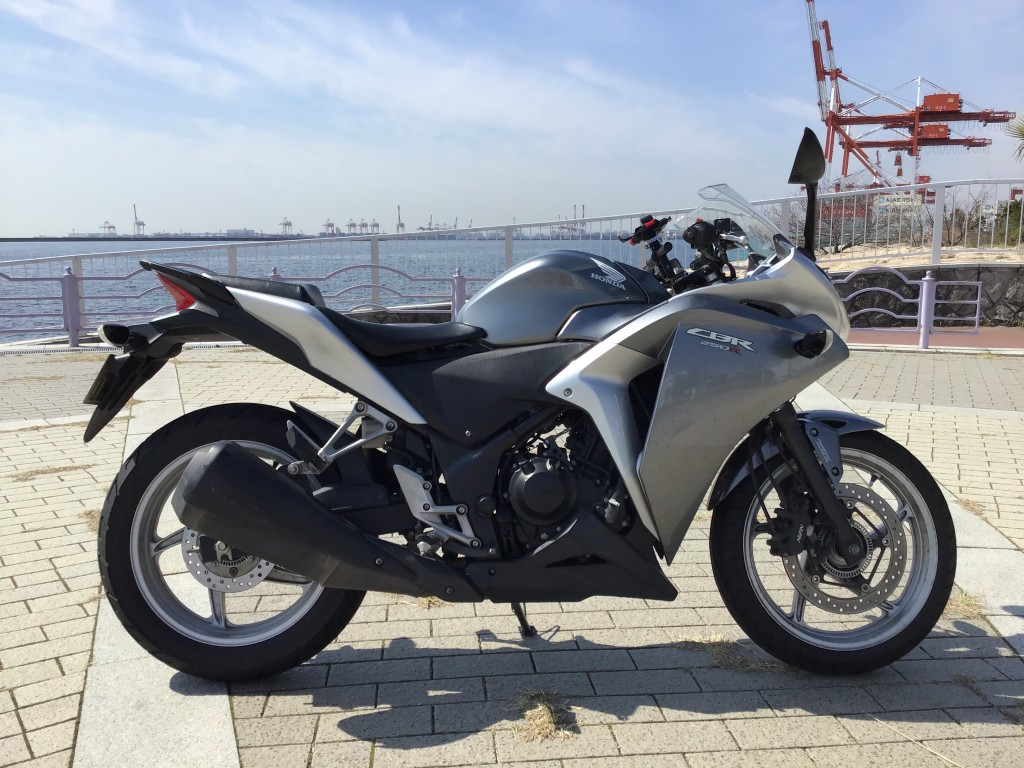 CBR250R ABS(FC-000) - 【公式】レンタルバイクのベストBike® 京阪清水五条駅前