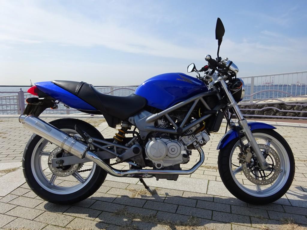 VTR250 改 (FC-000) キャブ仕様 - 【公式】レンタルバイクのベストBike® 地下鉄烏丸御池駅前